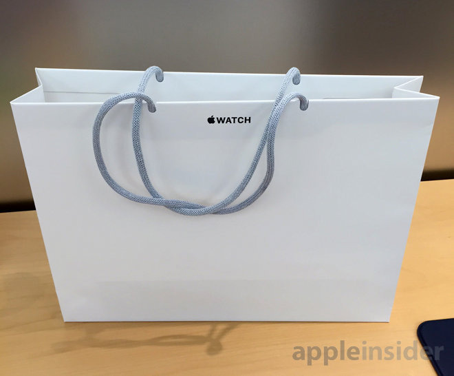 Paper bags to respect the environment: Apple Inc.